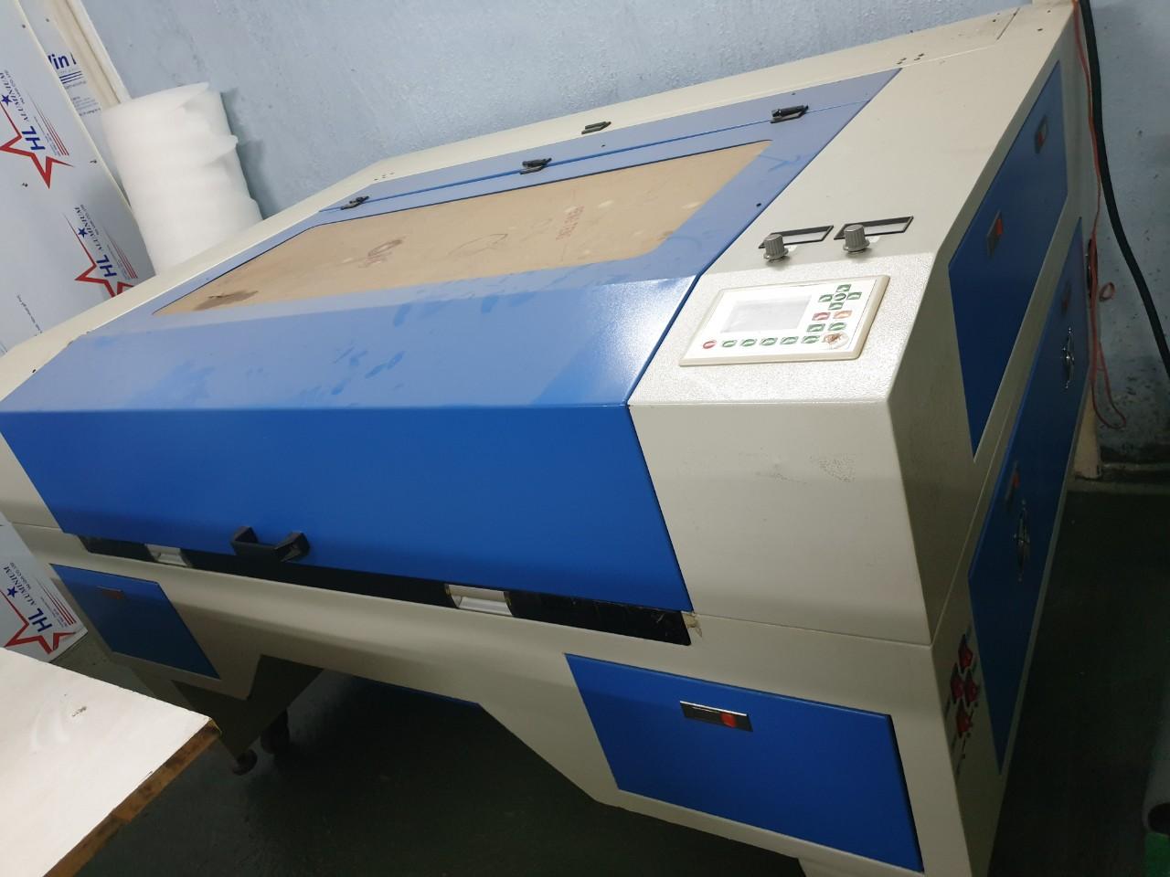 máy khắc laser củ giá rẻ